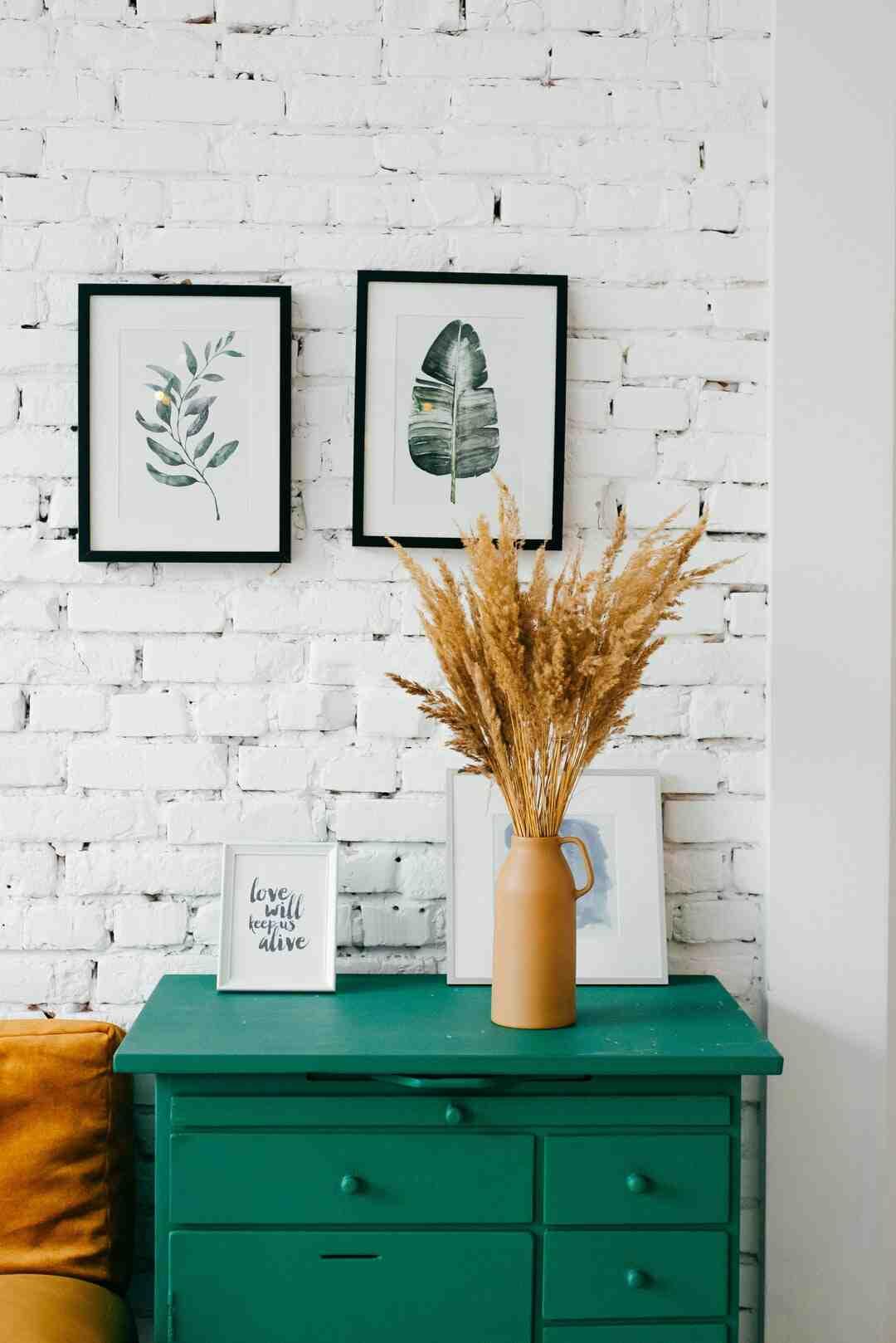 Quelle peinture pour repeindre un meuble en bois sans poncer ?